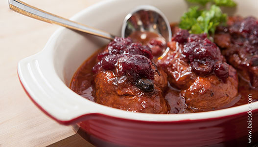 Chicken for a crowd with Canneberges Québec cranberry sauce
